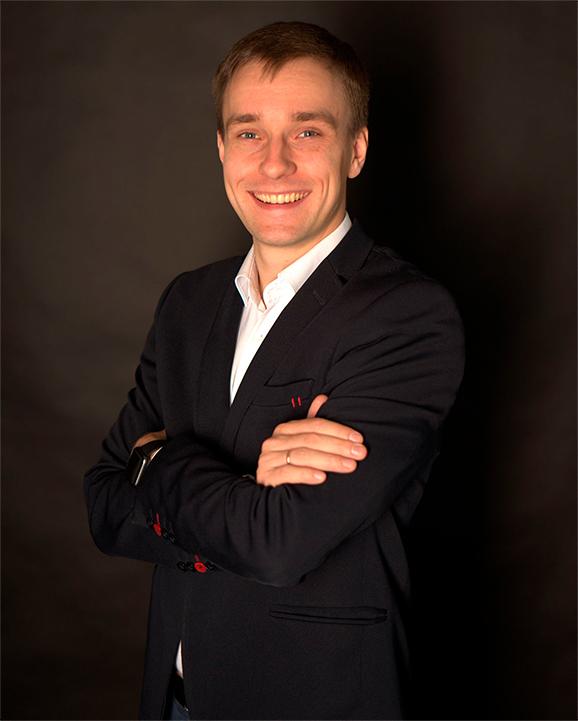 Андрей Стерлядкин - основатель школы